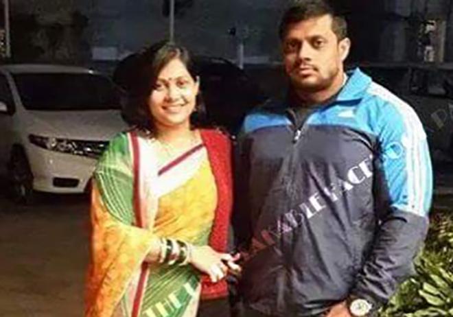 Anil Gochhikar with Wife