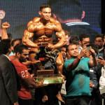 Mr India 2016 Sunit Jadhav Flexing