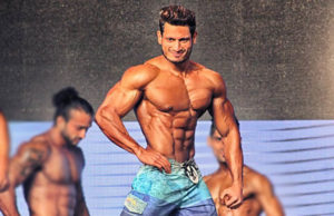 Manoj Patil Pose Mr India 2016